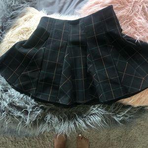 ⚡️BRAND NEW⚡️ high waisted pleated skirt